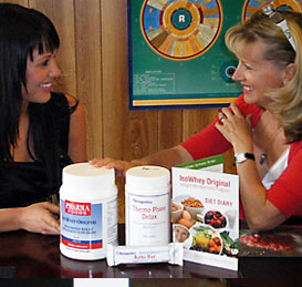 Lynne with client and Nutritionals